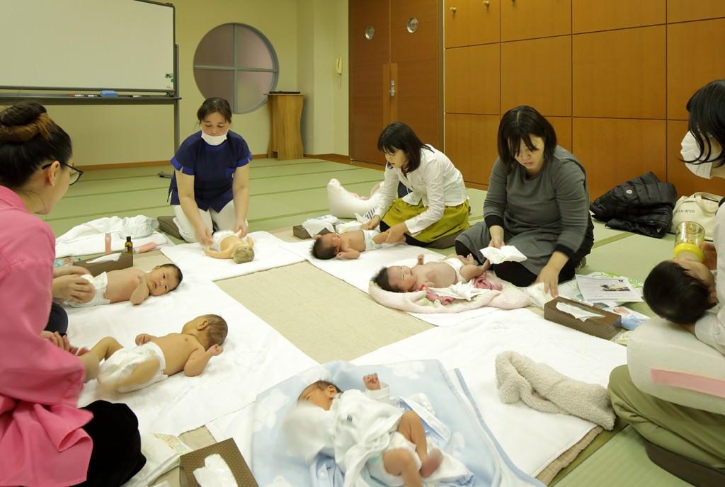 赤ちゃん教室(2週間~1ヵ月教室)